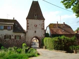 Maison indépendante dans cité médiévale 3 *