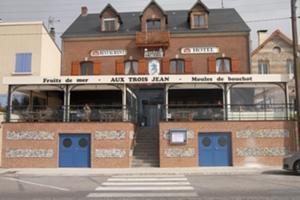 Hôtel Restaurant Aux Trois Jean