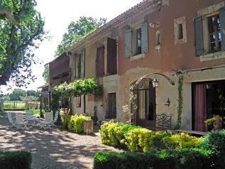 Gîtes Cabannes : Mas Saint Pierre en Provence