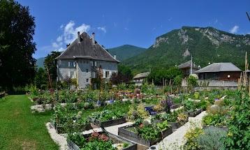 Ateliers stages au jardin du Chateau des Allues
