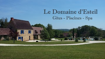 Le Domaine d'Esteil Gîtes Piscines Spa