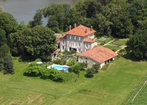 Chambres d'Hotes Chateau de Lahitte