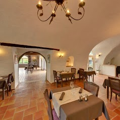 L'Oustaou - Restaurant et Chambres