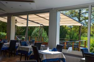 Logis Hôtel Aux Berges de l'Aveyron