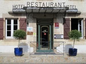Logis Hôtel Deshors Foujanet