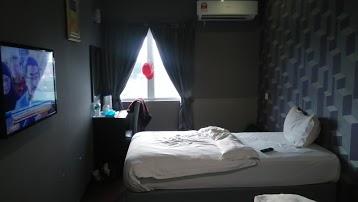 V3 Hotel
