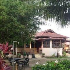 Chalet Deruan Ombak (Pengkalan Balak ,Melaka)