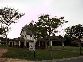 A Famosa Villa Check In Office