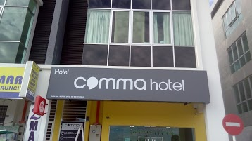 Comma Hotel
