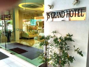 JS Grand Hotel