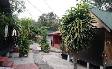 santaichalet village