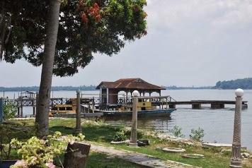 Azhar Chalet & Fishing Paradise