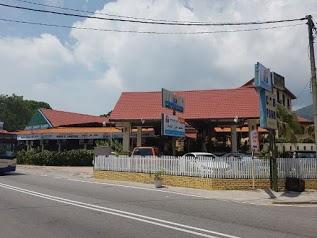D'FERINGGHI HAUS Hotel & Restaurant