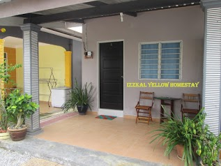 Izzkal Yellow Homestay