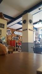 Le Petit Cafe Bleu