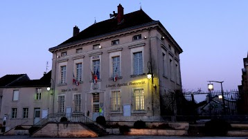 Mairie d'Is-sur-Tille