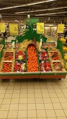 Market Saint Pierre Les Nemours