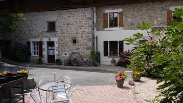 Les Petites Cerises - Family Gite in Charente France