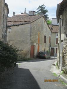 Rue des Douves