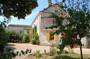 Gîte de charme 3 étoiles et chambres d'hôtes La Bohème proche de Niort et du Marais poitevin