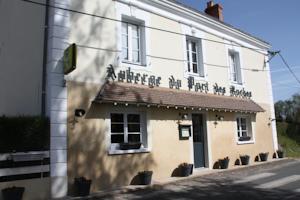 Logis Auberge du Port des Roches