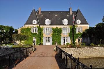 Chambres d'hôtes et Gîtes au Chateau de Bezonnais