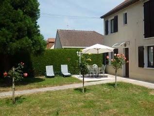 GITES DE SOLAIRE 4 étoiles avec piscine, spa/jacuzzi et jardins privatifs