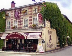 Logis Hôtel le Cheval Rouge