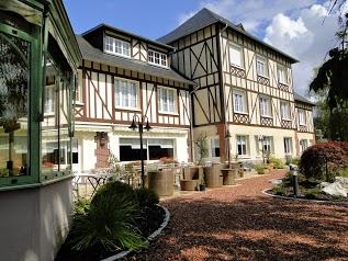 Logis Hôtel la Villa des Houx