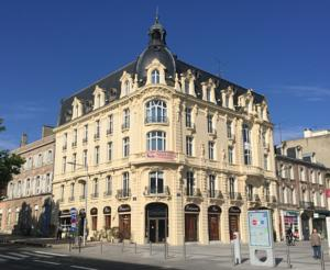 Hôtel Le Carlton***