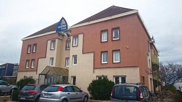Hôtel** Akena Avignon-Le Pontet (ex Face West Hotel)