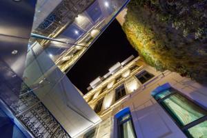 C2 Hotel