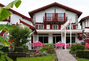 La Maison Oppoca - Hotel****de Charme Restaurant à Ainhoa