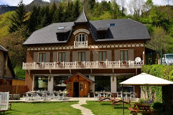 Auberge La Douce Montagne - Hotel Restaurant Bar